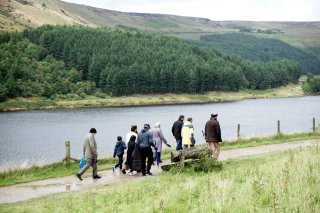 Walking at Dove Stone Reservoir