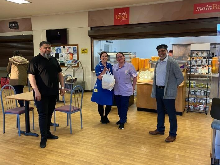 Jamia Masjid delivers meals to Royal Oldham Hospital